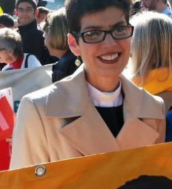 Rev_-Davis-at-Supreme-Court-on-Same-Sex-Marriage-Hearings-v1 (3)